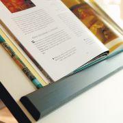 magnetische Kantenleiste hält Bücher sicher an Ort und Stelle